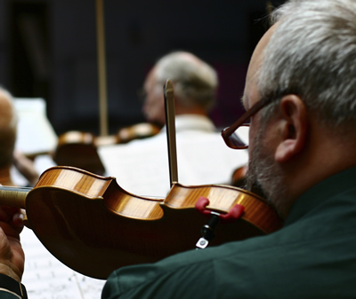 violinists grey hair Jean Cliclac istock