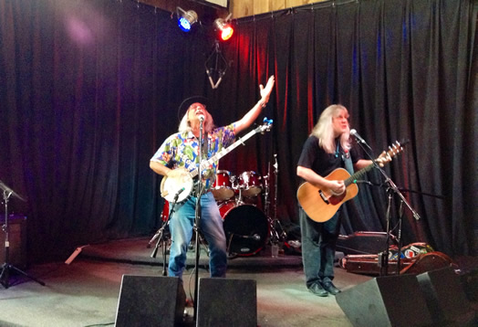 Rik Palieri and George Mann in Buffalo, at the final concert on the Almanac Trail Tour.