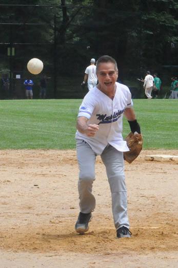 A hot Tony Danza fastball