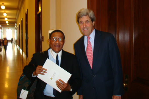 IN WASHINGTON: Bob Cranshaw with John Kerry during one of Bob's frequent trips to Washington to advocate for jazz musicians.