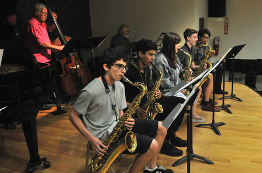 Young musicians from LaGuardia High School performed at a recent clinic at Local 802 on the art of woodwind doubling, led by Local 802 member Ed Joffe. Photo: Walter Karling.